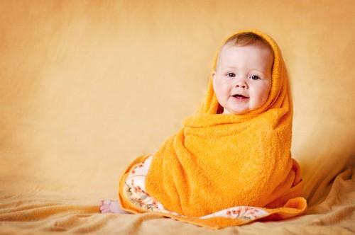 Любовь открытая для своего новорожденного дитя