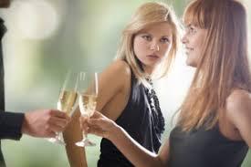 10 причин почему не стоит иметь подруг